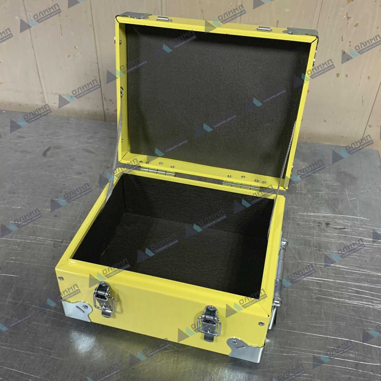 https://xn--h1aaf2d3a.xn--p1ai/images/upload/алюминиевый-ящик-300х250х170-мм.-металлические-ящики-с-внутренней-обшивкой._58.jpg