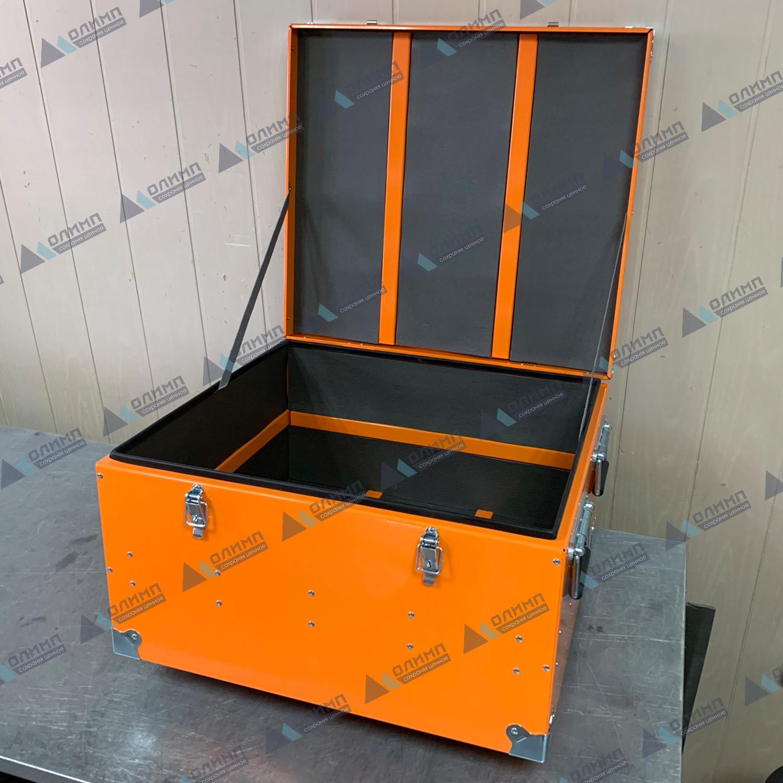 https://xn--h1aaf2d3a.xn--p1ai/images/upload/алюминиевый-ящик-550х500х300-мм-с-мягкой-обшивкой.-алюминиевые-ящики-на-заказ..jpg