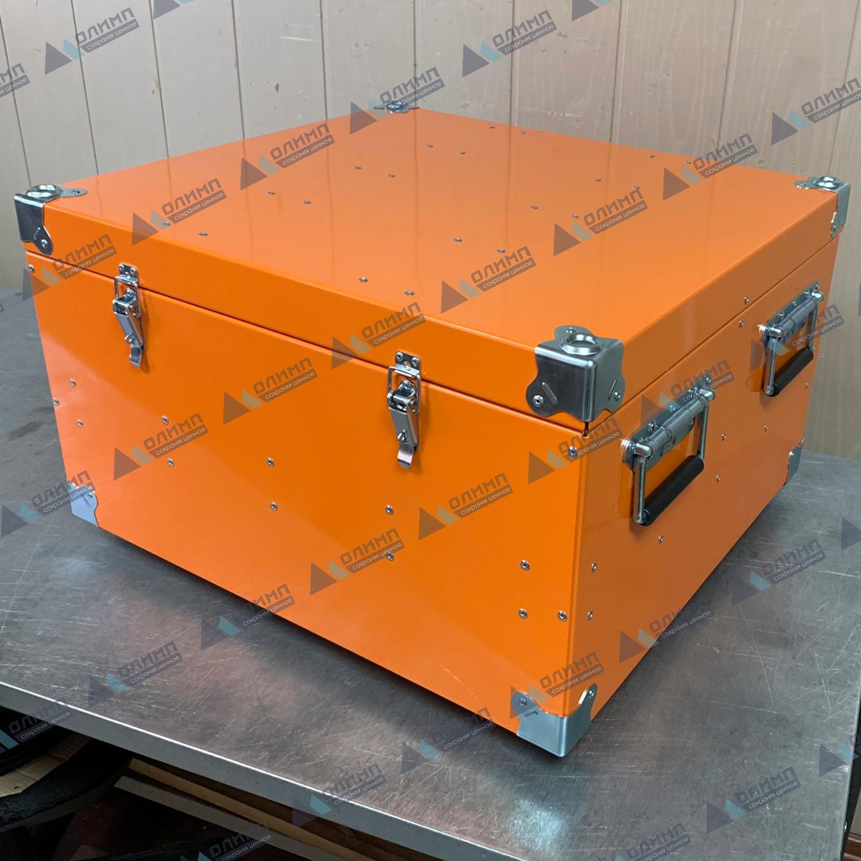 https://xn--h1aaf2d3a.xn--p1ai/images/upload/алюминиевый-ящик-550х500х300-мм-с-мягкой-обшивкой.-алюминиевые-ящики-на-заказ._213.jpg