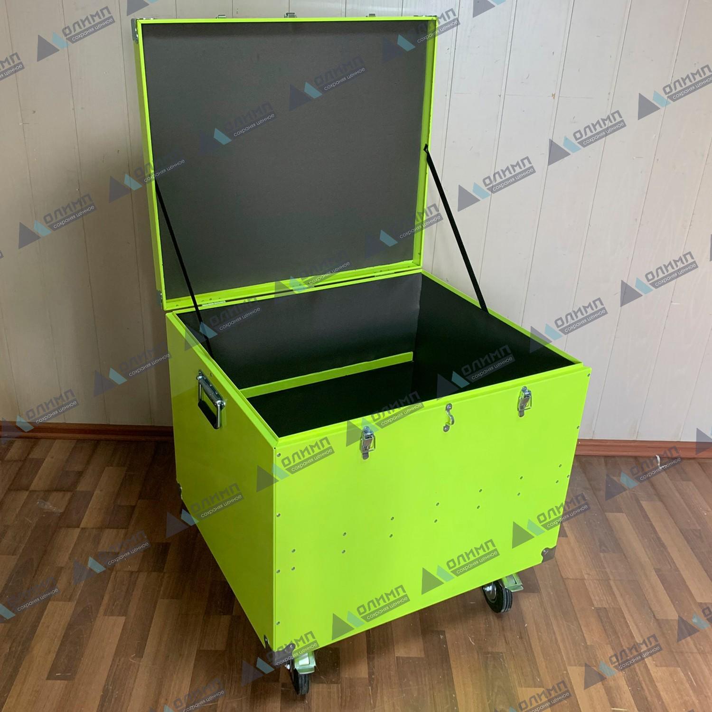 https://xn--h1aaf2d3a.xn--p1ai/images/upload/алюминиевый-ящик-700х600х550-мм-на-колёсах.-металлические-ящики-для-перевозки-оборудования..jpg