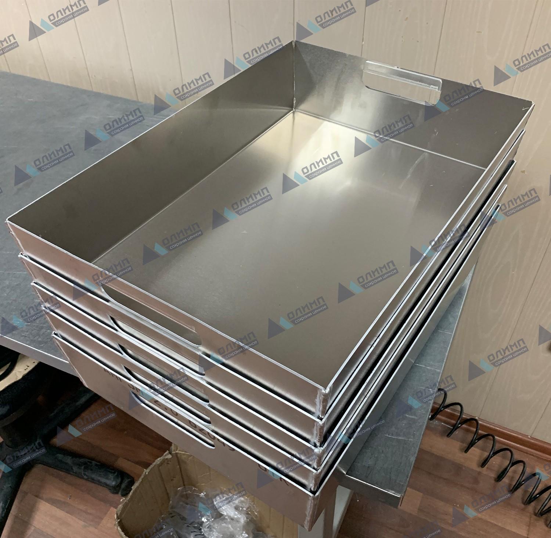 https://xn--h1aaf2d3a.xn--p1ai/images/upload/лотки-алюминиевые-530х365х110-мм.-изготовление-алюминиевых-лотков-на-заказ._250.jpg